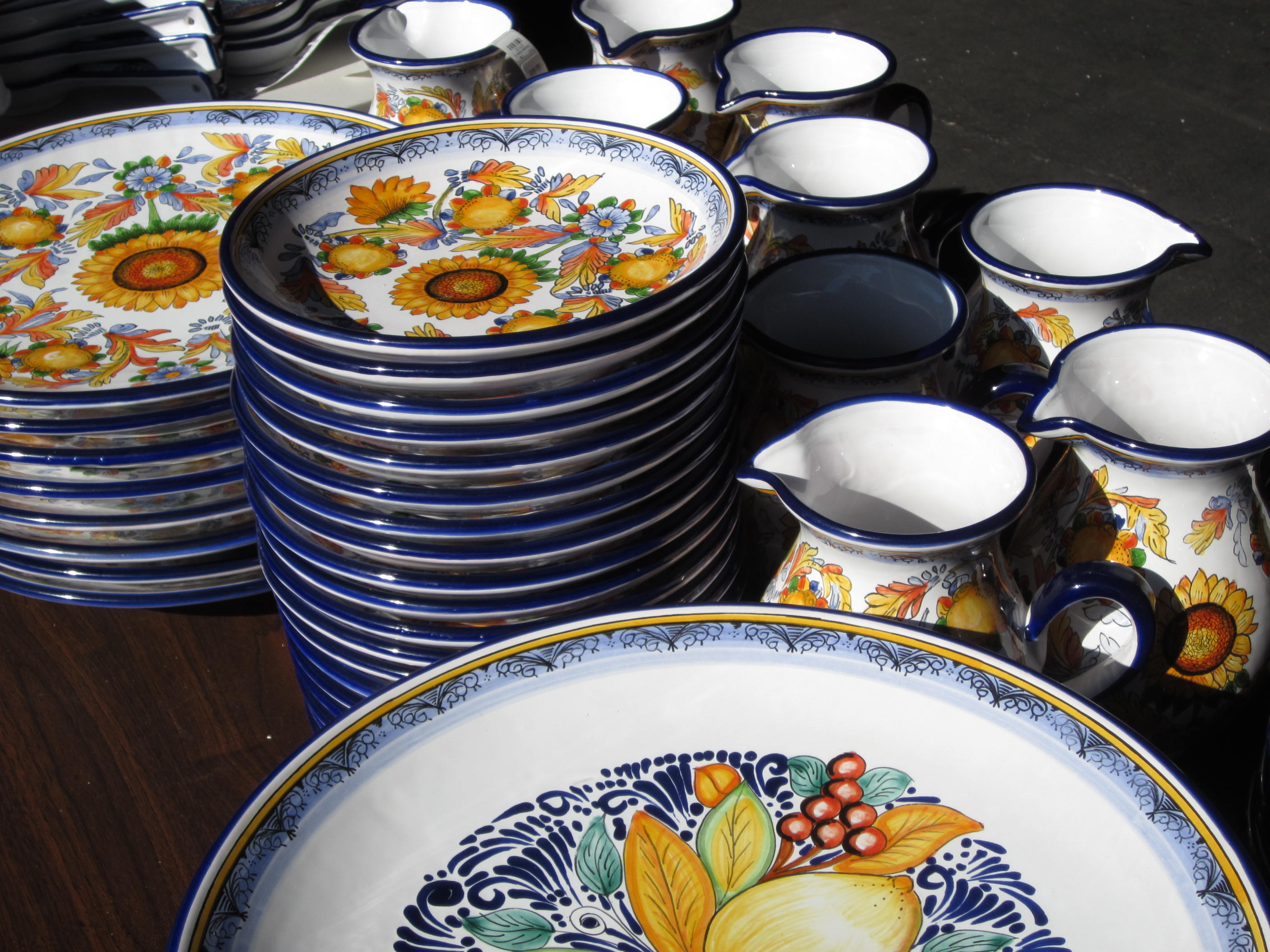 Available in many of the same shapes as our original talavera collection our Frutas and Girasoles (Sunflowers) patterns definitely have a European ... & New Talavera Patterns Have Arrived! | oihome